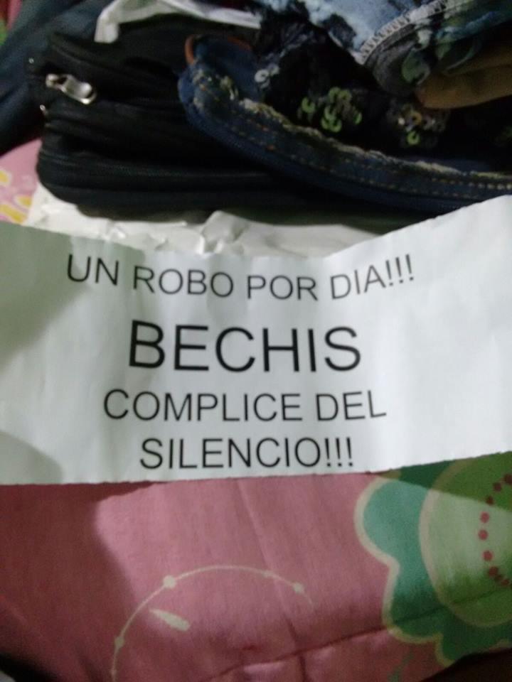 Por los hechos del fin de semana panfletearon al intendente Diego Bechis.