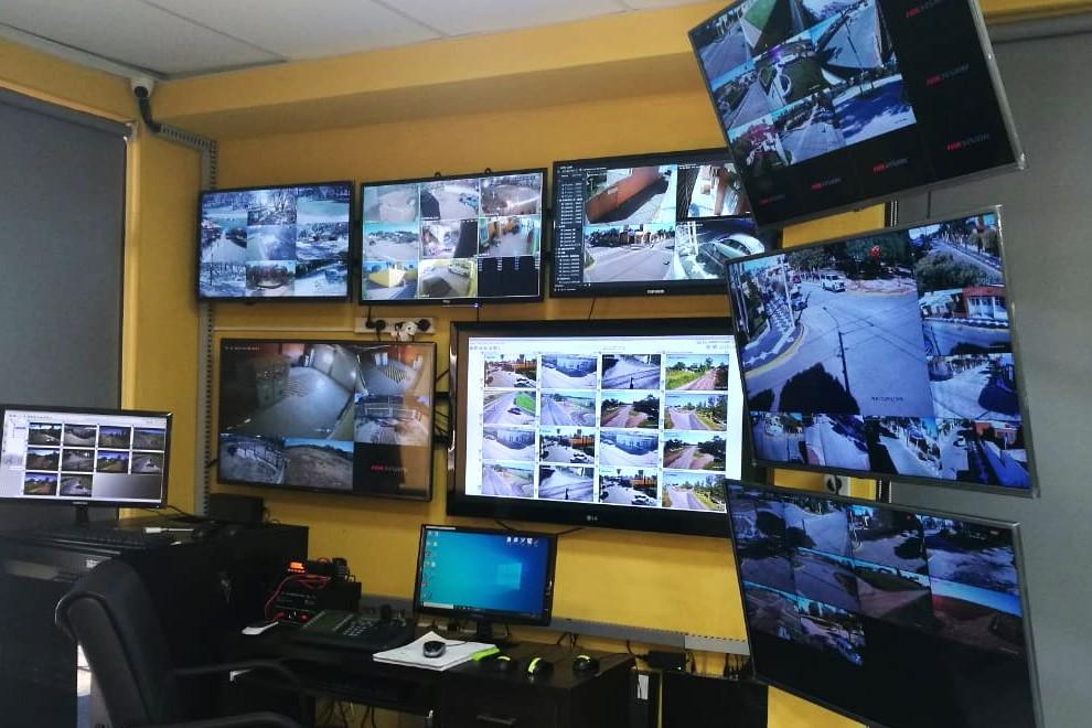 Este viernes se puso en marcha el nuevo Centro de Monitoreo de Videocámaras de Villa Ascasubi, en el departamento Tercero Arriba. El inmueble centraliza las cámaras pertenecientes a la intendencia local y las dispuestas por el Gobierno de Córdoba para la seguridad pública.