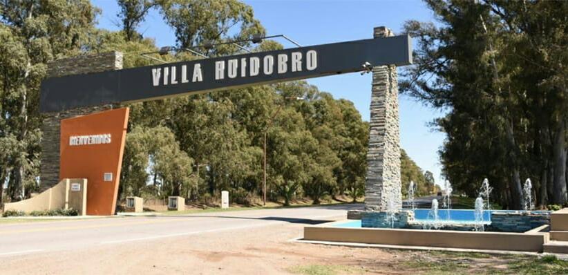 """Villa Huidobro entregó 8 créditos a emprendedores locales, destinando $1.410.000 de fondos genuinos municipales a través del Programa """"Estímulo""""."""