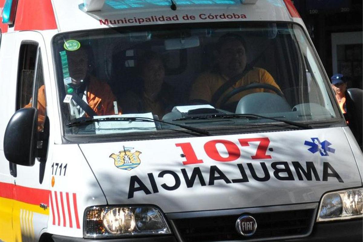 Las ambulancias deben esperar hasta 8 horas en Córdoba para conseguir camas.