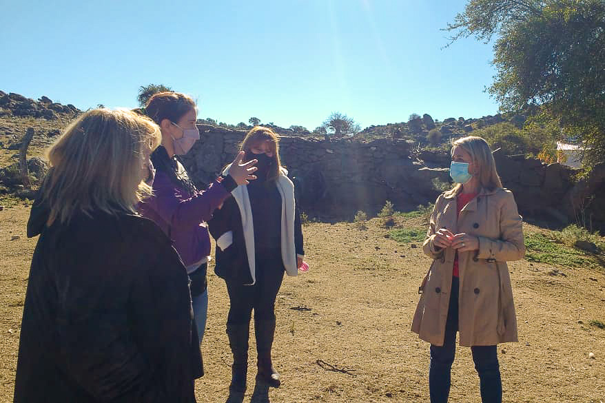 la secretaria del programa, Virginia Faggioli recorrió las tareas que se vienen desarrollando en el paraje Cerro Bola