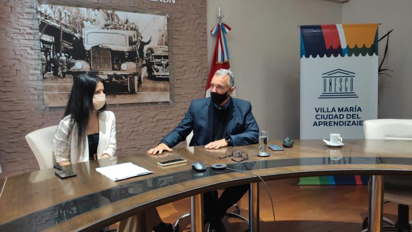 En el marco del lanzamiento de la iniciativa, el titular de la cartera de Educación, Rafael Sachetto, en compañía de la directora de Museos y Patrimonio, Analía Godoy, dialogaron con los medios y brindaron detalles sobre la propuesta.