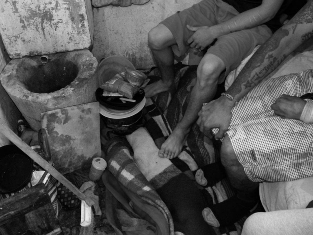 En las cárceles del país y de Córdoba no solo persisten las muertes de personas detenidas, sino que la tortura y los maltratos son moneda corriente.
