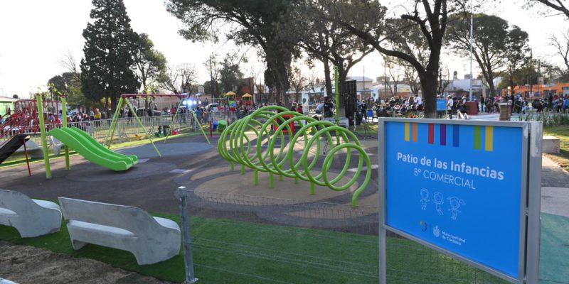 Las plazas más importantes de la ciudad tendrán los mismos juegos que las ubicadas en barrios alejados del centro.