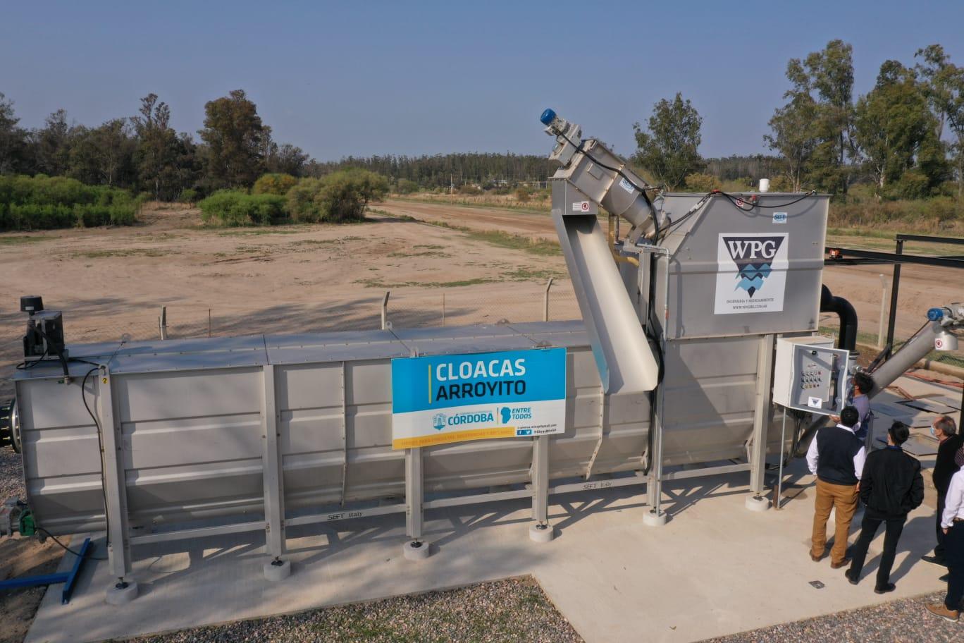 Schiaretti habilitó obras de saneamiento cloacal en Arroyito